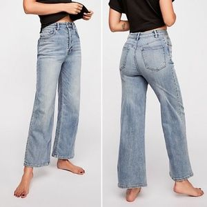 NWT Free People High Waisted Wide Leg Crop Jeans